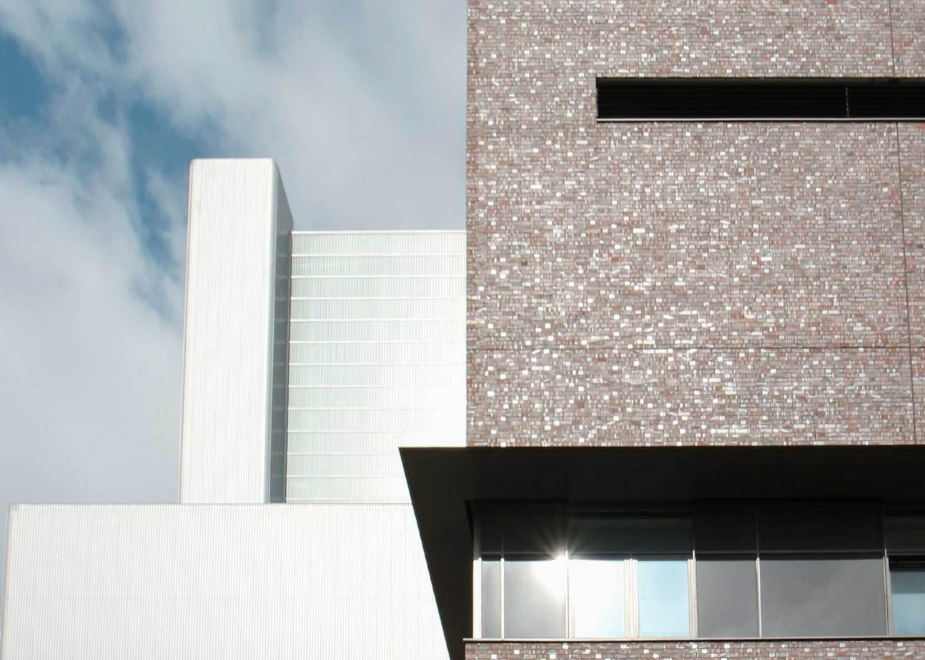 Industriefassaden und -dächer einschalig Dwuzet Fassadentechnik