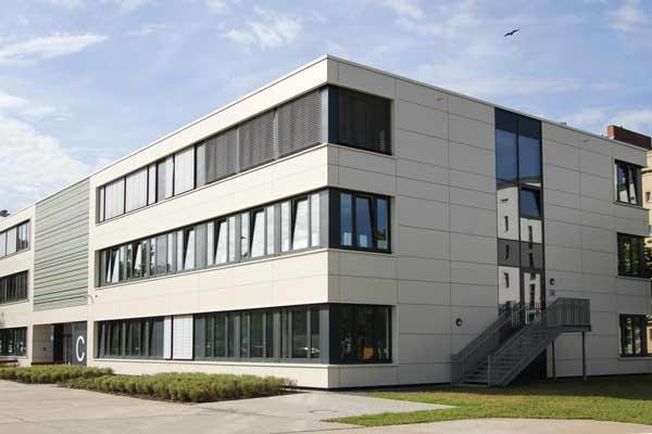HPL-Fassaden Fassadendämmung Dwuzet Fassadentechnik GmbH