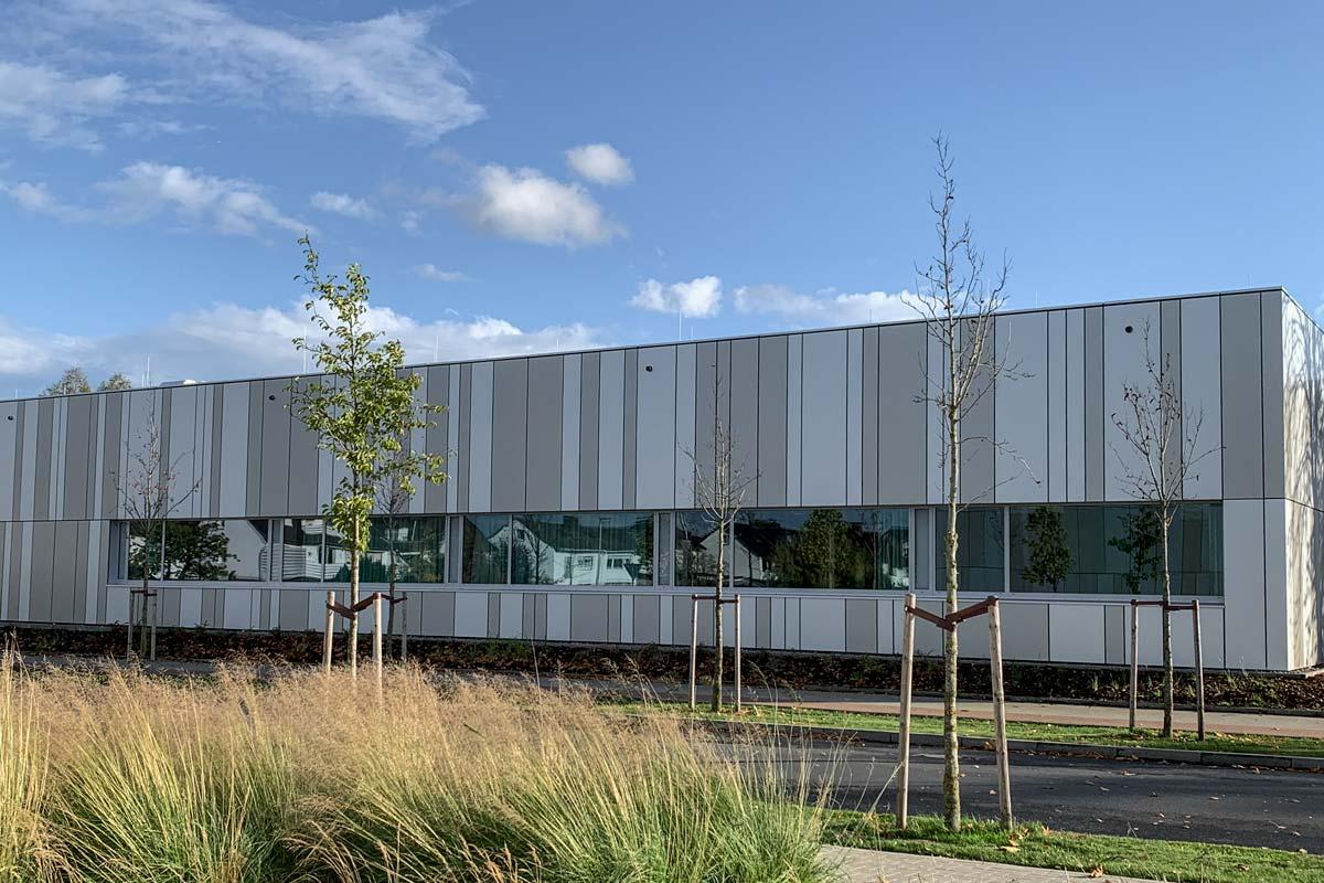 Dwuzet-Fassadentechnik, Rheda-Wiedenbrück, Vorhangfassade, Aluminium-Verbund-Kassette,