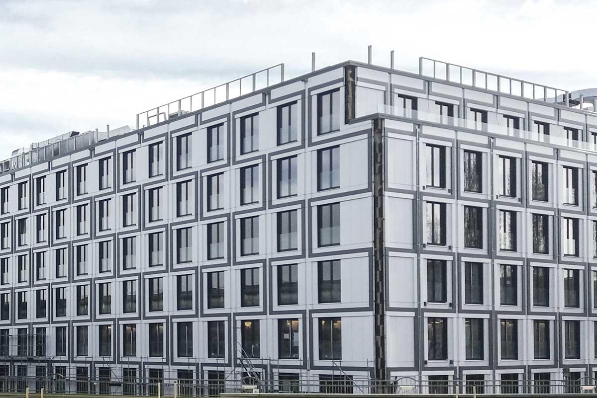 Aluminiumverbundfassade Warschauer Platz Aluverbundplatten, Dwuzet Fassadentechnik GmbH